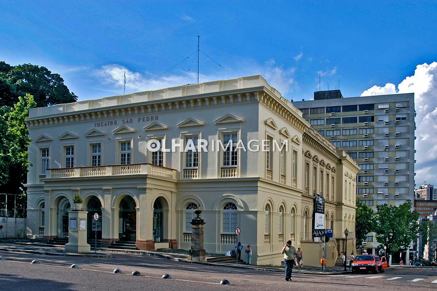 Edifício do Teatro São Pedro, cidade de Porto Alegre. Rio Grande do Sul. 2008. Foto de Juca Martins.
