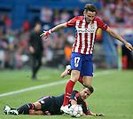 Atletico de Madrid's Saul Niguez (r) and FC Bayern Munchen's Juan Bernat during Champions League 2015/2016 Semi-Finals 1st leg match. April 27,2016. (ALTERPHOTOS/Acero)