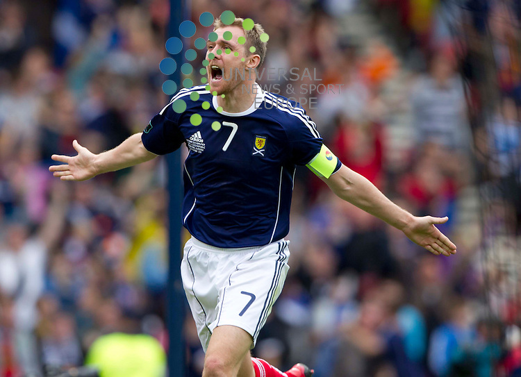 Manchester United's Darren Fletcher has been named in the Scotland squad for next month's friendly in Poland.<br />