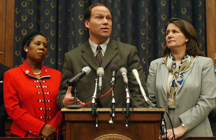 2/27/03.MEDICAL MALPRACTICE--Kurt Dixon, speaking, lawyer for the family of Jesica Santillan, a 17-year-old Mexican girl who died Saturday at Duke University Hospital after receiving a second set of heart and lungs because surgeons at first mistakenly transplanted organs of the wrong blood type, with others during a news conference on medical malpractice and their opposition to the Republican  proposal to set a limit on certain types of compensation. House Judiciary member Sheila Jackson Lee, D-Texas, and House Energy member Diana DeGette, D-Colo., look on..CONGRESSIONAL QUARTERLY PHOTO BY SCOTT J. FERRELL