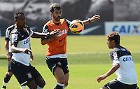 SÃO PAULO,SP, 09.09.2013 TREINO/CORINTHIANS/SP -  Douglas durante treino do Corinthians no CT Joaquim Grava na zona leste de Sao Paulo. (Foto: Alan Morici /Brazil Photo Press).