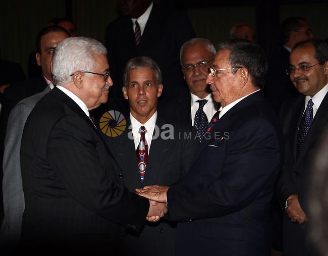 Palestinian President Mahmoud Abbas (Abu Mazen) during a meeting with the Cubian President Raul Castro in Havana on Sep 27,2009. Photo by Omar Rashidi