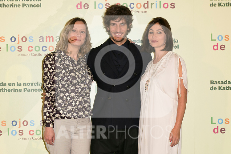 """French Director CECILE TELERMAN (Leftt) and The actors Quim Gutierrez (Center) and EMMANUELLE BEART (Right) attend the photocall at the presentation of the movie """"Los Ojos Amarillos De Los Cocodrilos"""" at Santo Mauro Hotel in Madrid, Spain. April 30, 2014. (ALTERPHOTOS/Carlos Dafonte)"""
