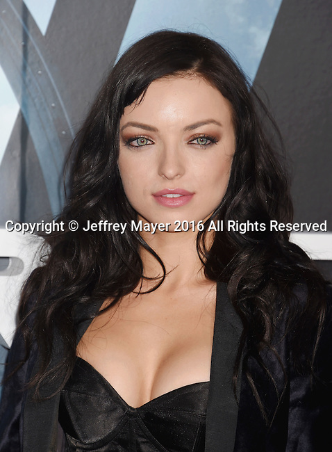 HOLLYWOOD, CA - SEPTEMBER 28: Actress Francesca Eastwood attends the premiere of HBO's 'Westworld' at TCL Chinese Theater on September 28, 2016 in Hollywood, California.