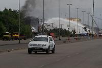 SANTOS,SP – 09.04.2015 – INCÊNDIO ULTRACARGO – ALEMOA – SANTOS<br />  O incêndio nos tanques de combustível da empresa UltraCargo, no terminal da Alemoa, em Santos (SP), segue pelo oitavo dia consecutivo. A situação de momento é de que parece que o  fogo foi parcialmente controlado.(Foto: Flavio Hopp/Brazil Photo Press)