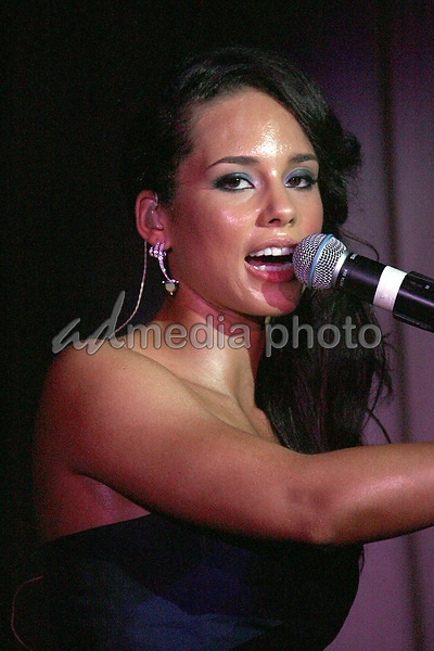 22 May 2006 - Cannes, France - Alicia Keys performing at a private concert held at Club Nikki Chopard in the Carlton Hotel: 2006 Cannes International Film Festival - DAY 6.  Photo Credit: Zach Lipp/AdMedia