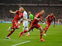 FUSSBALL: Champions League, Halbfinale, Hinspiel, FC Bayern Muenchen - Real Madrid, Muenchen, 17.04.2012.Jubel von Torschuetze Franck Ribery (r.) und Bastian Schweinsteiger (beide Bayern).© pixathlon