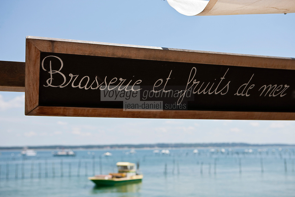 Europe/France/Aquitaine/33/Gironde/Bassin d'Arcachon/Le Cap Ferret: A la terrasse du Pinasse Café