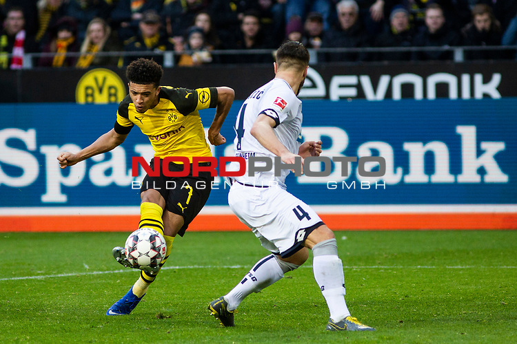 09.02.2019, Signal Iduna Park, Dortmund, GER, 1.FBL, Borussia Dortmund vs TSG 1899 Hoffenheim, DFL REGULATIONS PROHIBIT ANY USE OF PHOTOGRAPHS AS IMAGE SEQUENCES AND/OR QUASI-VIDEO<br /> <br /> im Bild | picture shows:<br /> Jadon Sancho (Borussia Dortmund #7) setzt sich gegen Ermin Bicakcic (Hoffenheim #4) durch und schlie&szlig;t ab, <br /> <br /> Foto &copy; nordphoto / Rauch