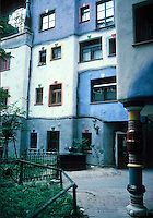 Friedensreich Hundertwasser : Hundertwasser House, Vienna. Photo '87.