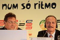 RIO DE JANEIRO, RJ, 30 DE MAIO 2012 - SORTEIO COPA DAS CONFEDERACOES - O secretario-geral da FIFA, Jerome Valcke e o ministro dos Esportes Aldo Rebelo, durante sorteio da Copa das Confederações, torneio que antecede a Copa do Mundo e que será disputado entre 15 e 30 de junho de 2013. No Hotel Sheraton, na Barra da Tijuca nesta quarta-feira, 30. (FOTO: GUTO MAIA / BRAZIL PHOTO PRESS).