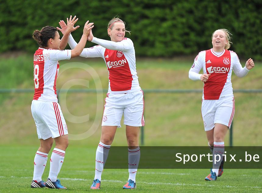 RSC Anderlecht Dames - Ajax Amsterdam : vreugde bij Ajax en Chantal De Ridder (midden) na de 0-1.foto DAVID CATRY / Nikonpro.be
