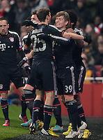 FUSSBALL  CHAMPIONS LEAGUE  ACHTELFINALE  HINSPIEL  2012/2013      FC Arsenal London - FC Bayern Muenchen       19.02.2013 Torjubel:Thomas Mueller (li) und Toni Kroos (re, beide FC Bayern Muenchen)