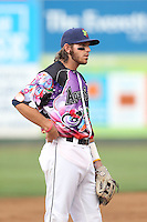 Conner Hale (39) of the Everett AquaSox in the field during a game against the Spokane Indians at Everett Memorial Stadium on July 25, 2015 in Everett, Washington. Spokane defeated Everett, 10-1. (Larry Goren/Four Seam Images)
