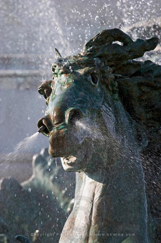 monument aux girondins detail esplanade des quinconces bordeaux france
