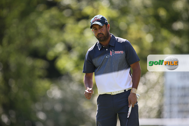 Shiv KAPUR (IND) makes birdie on the 16th during Round One of the 2015 BMW PGA Championship over the West Course at Wentworth, Virginia Water, London. 21/05/2015Picture David Lloyd, www.golffile.ie.