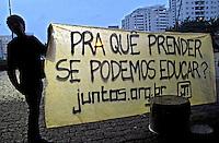 Manifestaçao contra a reduçao da maioridade penal na Av. Paulista. Sao Paulo. 2015. Foto de Marcia Minillo.