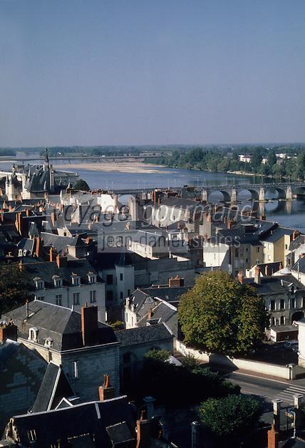 Europe/France/Pays de la Loire/Maine-et-Loire/Saumur : Vue depuis le chateau de Saumur - Les toits de la ville