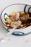 Europe/France/Bretagne/29/Finistère/Carantec:  Bouillon de palourde de marée , tofu noir céleri croquant, tosazu. Recette de Patrick Jeffroy  -  Restaurant: Patrick Jeffroy - Hôtel de Carantec