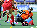 The Hague, Netherlands, June 14: Jackie Kintzer #31 of USA makes a save during the field hockey bronze medal match (Women) between USA and Argentina on June 14, 2014 during the World Cup 2014 at Kyocera Stadium in The Hague, Netherlands. Final score 2-1 (2-1)  (Photo by Dirk Markgraf / www.265-images.com) *** Local caption ***
