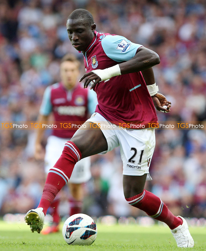 Mohamed Diame of West Ham - West Ham United vs Sunderland - Barclays Premier League at Upton Park, West Ham - 22/09/12 - MANDATORY CREDIT: Rob Newell/TGSPHOTO - Self billing applies where appropriate - 0845 094 6026 - contact@tgsphoto.co.uk - NO UNPAID USE.