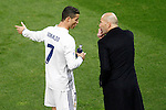 Real Madrid's coach Zinedine Zidane (r) with Cristiano Ronaldo during La Liga match. November 19,2016. (ALTERPHOTOS/Acero)