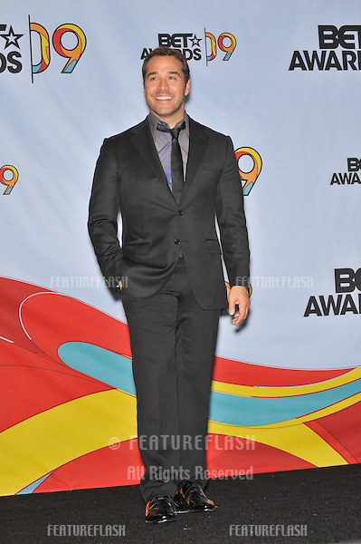 Jeremy Piven at the 2009 BET Awards (Black Entertainment Television) at the Shrine Auditorium..June 28, 2009  Los Angeles, CA.Picture: Paul Smith / Featureflash