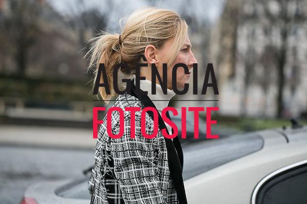 Street Style<br /> <br /> Paris - Inverno 2016<br /> <br /> <br /> foto: FOTOSITE