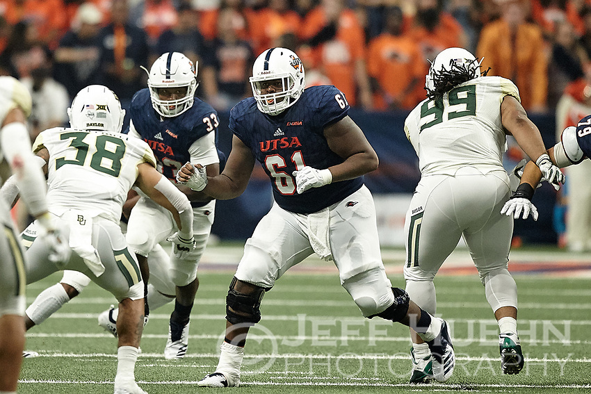 SAN ANTONIO, TX - SEPTEMBER 8, 2018: The University of Texas at San Antonio Roadrunners fall to the Baylor University Bears 37-20 at the Alamodome. (Photo by Jeff Huehn)