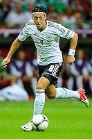 WARSAW, POLONIA, 28 JUNHO 2012 - EURO 2012 - ALEMANHA X ITALIA - Ozil jogador da Alemanha durante lance em jogo contra a Italia, em partida pelas semi-finais da Euro 2012 em Warsaw na Polonia nesta quinta-feira, 28. (FOTO: PIXATHLON / BRAZIL PHOTO PRESS).