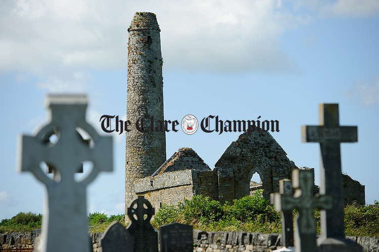A general view of a church ruin on Scattery Island. Photograph by John Kelly.