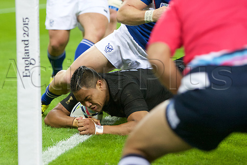 24.09.2015. Olympic Stadium, London, England. Rugby World Cup. New Zealand versus Namibia. New Zealand All Black wing Julian Savea scores a try.