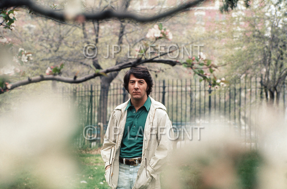Central Park, NY, USA. May 1st, 1972. American actor Dustin Hoffman during an outdoor photo session in Central Park.