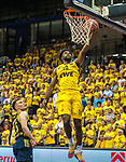 09.06.2019, EWE Arena, Oldenburg, GER, easy Credit-BBL, Playoffs, HF Spiel 3, EWE Baskets Oldenburg vs ALBA Berlin, im Bild<br /> Frantz MASSENAT (EWE Baskets Oldenburg #10 ) Martin HERMANNSON (ALBA Berlin #15 )<br /> <br /> Foto © nordphoto / Rojahn