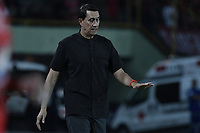 ARMENIA - COLOMBIA, 02-02-2020: Alexandre Guimaraes técnico del América gesticula durante partido por la fecha 3 de la Liga BetPlay DIMAYOR I 2020 entre América de Cali y Boyacá Chicó jugado en el estadio Centenario de la ciudad de Armenia. / Alexandre Guimaraes coach of America de Cali gestures during match for the for the date 3 as part of BetPlay DIMAYOR League I 2020 between America de Cali and Boyaca Chico played at Centenario stadium in Armenia city. Photo: VizzorImage / Gabriel Aponte / Staff