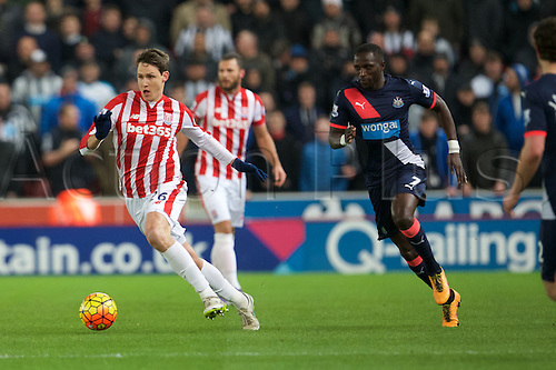 02.03.2016. The Britannia Stadium, Stoke, England. Barclays Premier League. Stoke City versus Newcastle United. Stoke City defender Philipp Wollscheid with the ball and Newcastle United midfielder Moussa Sissoko.