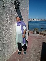 Uno de los últimos retratos hechos a el Cantante Juan Gabriel, también llamado el Divo de Juarez. La foto fue tomada junto a unos condominios  y casa que compro junto a la playa  en San Carlos,  Guaymas Sonora.