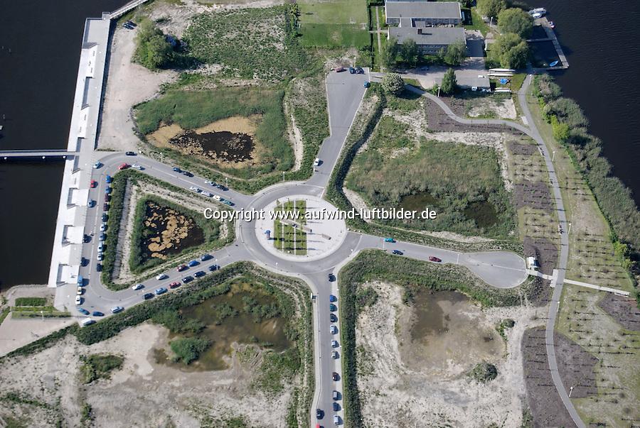 Kreisverkehr: DEUTSCHLAND, MECKLENBURG-VORPOMMERN, ROSTOCK, (GERMANY, MECKLENBURG POMERANIA), 15.05.2008:  Europa, Deutschland, Mecklenburg Vorpommern, Kreisverkehr, Strasse, Planung, Freiflaeche, Am Strande, Petridamm, Warnowstrasse, Luftaufnahme, Luftbild, Luftansicht, .c o p y r i g h t : A U F W I N D - L U F T B I L D E R . de.G e r t r u d - B a e u m e r - S t i e g 1 0 2, 2 1 0 3 5 H a m b u r g , G e r m a n y P h o n e + 4 9 (0) 1 7 1 - 6 8 6 6 0 6 9 E m a i l H w e i 1 @ a o l . c o m w w w . a u f w i n d - l u f t b i l d e r . d e.K o n t o : P o s t b a n k H a m b u r g .B l z : 2 0 0 1 0 0 2 0  K o n t o : 5 8 3 6 5 7 2 0 9.C o p y r i g h t n u r f u e r j o u r n a l i s t i s c h Z w e c k e, keine P e r s o e n l i c h ke i t s r e c h t e v o r h a n d e n, V e r o e f f e n t l i c h u n g n u r m i t H o n o r a r n a c h M F M, N a m e n s n e n n u n g u n d B e l e g e x e m p l a r !.