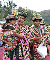 AYACUCHO,PERU 08/05/2013. Presidente de la Rep&uacute;blica, Ollanta Humala Tasso, entreg&oacute; bonos agrarios para la compra de fertilizantes y particip&oacute; en tareas agr&iacute;colas en el Centro Poblado de Chacolla, Distrito de Chuschi (Regi&oacute;n Ayacucho.<br />  <br /> ANDINA/NortePhoto