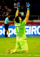 BARRANQUILLA - COLOMBIA - 15 - 11 - 2017: Roque Cardozo, portero de Rionegro Aguilas celebra el gol anotado a Atletico Junior, durante partido de la fecha 18 entre Atletico Junior y Rionegro Aguilas por la Liga Aguila II - 2017, jugado en el estadio Metropolitano Roberto Melendez de la ciudad de Barranquilla. / Roque Cardozo, goalkeeper of Rionegro Aguilas celebrates the goal scored to Atletico Junior, during a match of the date 18th between Atletico Junior and Rionegro Aguilas for the Liga Aguila II - 2017 at the Metropolitano Roberto Melendez Stadium in Barranquilla city, Photo: VizzorImage  / Alfonso Cervantes / Cont.