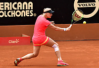 BOGOTA - COLOMBIA – 11 – 04 - 2017: Kiki Bertens de Holanda, devuelve la bola a Nina Stojanovic de Serbia, durante partido por el Claro Colsanitas WTA, que se realiza en el Club Los Lagartos de la ciudad de Bogota. / Kiki Bertens from Nederland returns the ball to Nina Stojanovic from Serbia, during a match for the WTA Claro Colsanitas, which takes place at Los Lagartos Club in Bogota city. Photo: VizzorImage / Luis Ramirez / Staff.