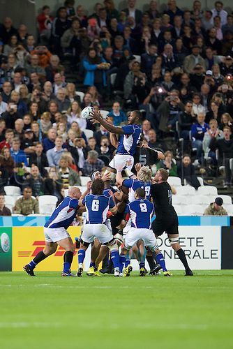 24.09.2015. Olympic Stadium, London, England. Rugby World Cup. New Zealand versus Namibia. Namibia lock Tjiuee Uanivi wins a line out.