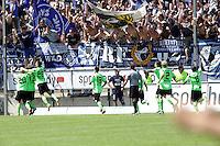 Jubel KSC beim 0:1 - 21.07.2013: FSV Frankfurt vs. Karlsruher SC, Frankfurter Volksbank Stadion