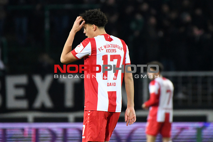 14.02.2020, Preußenstadion, Münster, GER, 3.FBL, SC Preussen Muenster vs. FC Wuerzburger Kickers, <br /> <br /> DFL REGULATIONS PROHIBIT ANY USE OF PHOTOGRAPHS AS IMAGE SEQUENCES AND/OR QUASI-VIDEO<br /> <br /> im Bild<br /> Jonas David (FC Würzburger Kickers #17), Aktion / Einzelbild / <br /> <br /> Foto © nordphoto / Paetzel