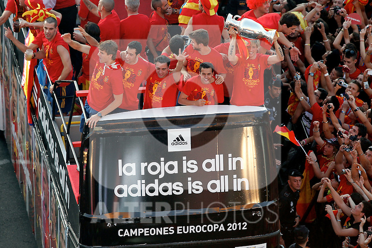 (L-R) Spanish's Fernando Llorente, Cesc Fabregas, Xabi Hernandez, Gerard Pique, Pedro Rodriguez and Fernando Torres  celebrates with supporters the Eurocope at Cibeles's square.Jule, 2,2012.(ALTERPHOTOS/Alconada)