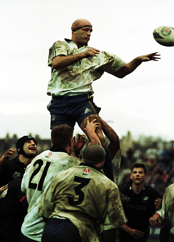 Photo Richard Lane. .Bath v Saracens. 19/12/98..Nigel Redman takes a line out.
