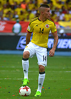 BARRANQUILLA - COLOMBIA -08-10-2015: Andres Mateus Uribe jugador de Colombia en acción durante partido entre Colombia y Bolivia por la fecha 13 de la clasificatoria a la Copa Mundial de la FIFA Rusia 2018 jugado en el estadio Metropolitano Roberto Melendez en Barranquilla. / Andres Mateus Uribe player of Colombia in action during the match between Colombia and Bolivia for the date 13 of the qualifier to FIFA World Cup Russia 2018 played at Metropolitan stadium Roberto Melendez in Barranquilla. Photo: VizzorImage / Alfonso Cervantes / Cont