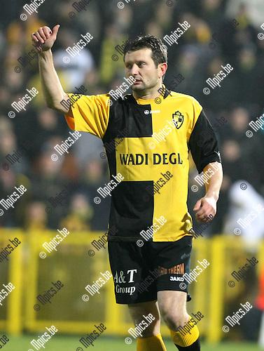 2010-01-16 / Voetbal / seizoen 2009-2010 / Lierse SK - OH Leuven / Tomasz Radzinski..Foto: mpics
