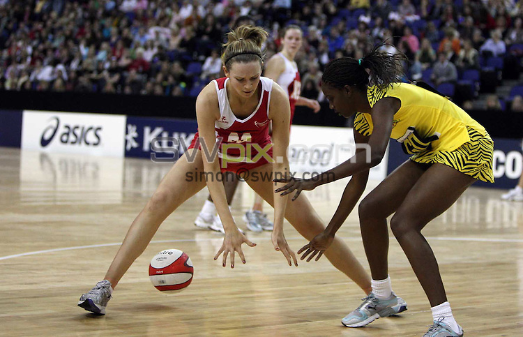PICTURE BY Ben Duffy/SWPIX.COM - Netball - The Co-Operative International Series - England v Jamaica, First Test - O2 Arena, London, England - 22/02/09...Copyright - Simon Wilkinson - 07811267706...England's Joanne Harten