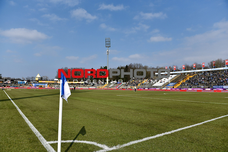 12.03.2016, Merck-Stadion am Boellenfalltor, Darmstadt, GER, 1. FBL, SV Darmstadt 98 vs. FC Augsburg, im Bild: Neuer Rasen im Stadion<br /> <br /> Foto &copy; nordphoto / Fabisch